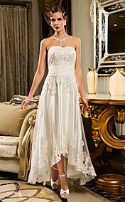 Sheath/Column Strapless Scalloped-Edge Asymmetrical Tulle Wedding Dress (635871)