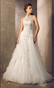 Sheath/Column Halter Court Train Tulle And Lace Wedding Dress (699584)