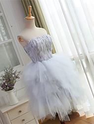 מסיבת קוקטייל לנשף שמלת נשף הכדור שמלה sweetheart אורך הברך עם נוצות / פרווה