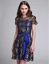 2017 Lanting bride® mini-lace vestido de dama de curto / elegante - uma linha de jóias com arco (s)