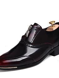 Men's Sneakers Spring / Fall Comfort PU Casual Flat Heel Zipper Black / Brown / Red / Gold Sneaker