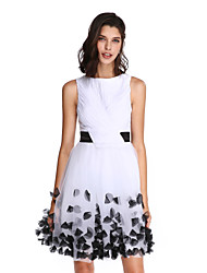 TS Couture® Cocktailparty Kleid - Elegant A-Linie Bateau - Linie Knie-Länge Chiffon / Tüll mitSchleife(n) / Blume(n) / Schärpe / Band /