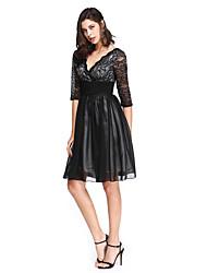 TS Couture® מסיבת קוקטייל שמלה גזרת A צווארון וי באורך  הברך שיפון / תחרה עם סרט / סלסולים