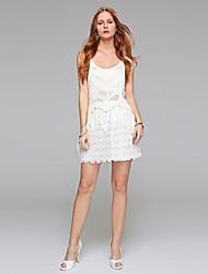 Schede / kolom trouwjurk - receptie kleine witte jurk doorkijkende korte / mini scoop kant met gedrapeerde kant