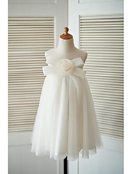 Sheath / Column Knee-length Flower Girl Dress - Tulle Jewel with Bow(s) Flower(s)