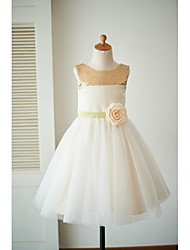 A-line Knee-length Flower Girl Dress - Satin Tulle Scoop with Bow(s) Flower(s) Sash / Ribbon Sequins
