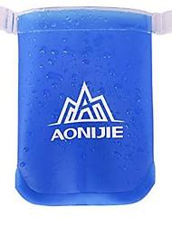 בקבוק מים כחול יחיד חוץ מחנאות רכיבת אופניים תרמילאים טיולים