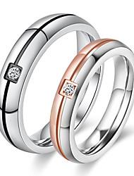 Pro páry Snubní prsteny Kubický zirkon minimalistický styl Elegantní Zirkon Titanová ocel Round Shape Šperky ProSvatební Párty a večerní