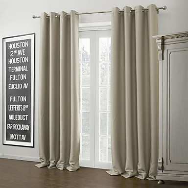 Due pannelli trattamento finestra moderno , tinta unita salotto ...