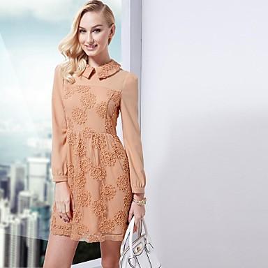 Платье с воротником из кружева фото