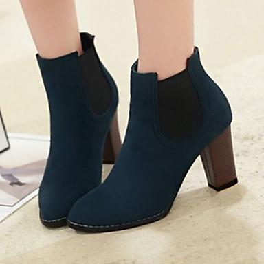 Blå dress svarte sko