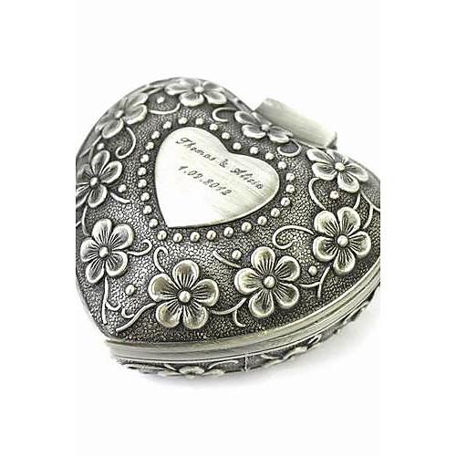 Шкатулка именная в форме сердца из оловянного сплава с цветочным узором