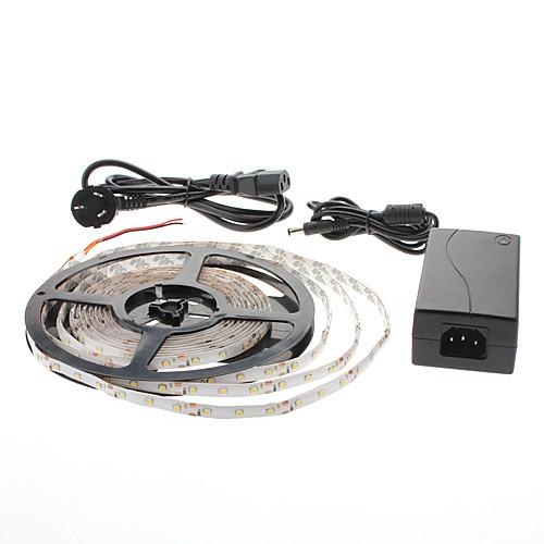 Лента светодиодная водонепроницаемая длиной 5м 300x3528 SMD теплый белый свет, в комплекте с адаптером переменного тока (100-240V)