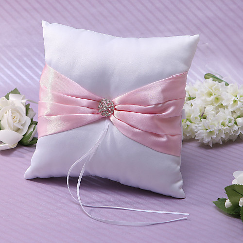 В кольцо подушки розового атласа со стразами и створки Lightinthebox 399.000