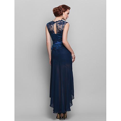 Вечернее платье-футляр с кружевным верхом и шифоновой ассиметричной юбкой