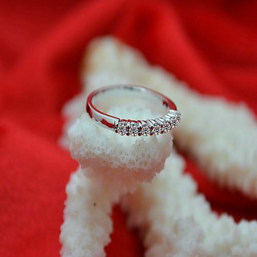 0,7 карат семь камней серебро 925 белый позолоченные Сона кристально кольцо с бриллиантом для женщин свадьбы Lightinthebox 1333.000