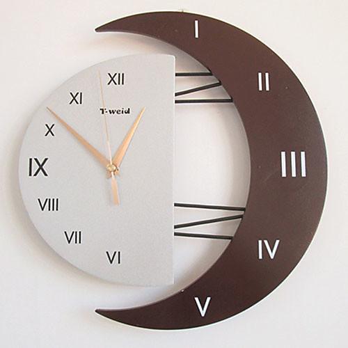 Часы настенные в форме полумесяца с римскими цифрами (случайный цвет) Lightinthebox 1718.000