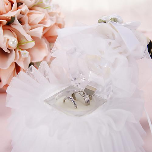 Music Box Подушка обручальное кольцо с лентой и цветами Lightinthebox 450.000