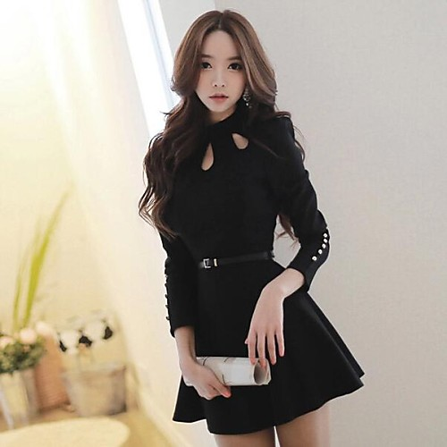 Чёрное платье выше колена