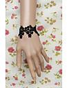 main dentelle noire douce bracelet lolita