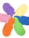 clouer pantoufles (couleur aléatoire)
