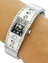 pentru Doamne Ceas La Modă Ceas Brățară Quartz imitație de diamant Bandă Sclipici Brățară rigidă Argint Negru Mov Roz Negru/Alb Negru
