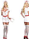 Vanter fille blanche uniforme d'infirmière