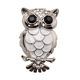 Unique Silver Plated Alloy With Rhinestone Owl Shaped Brooch