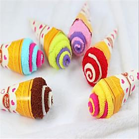 Ice Cream Cake Towel (tilfeldig farge)