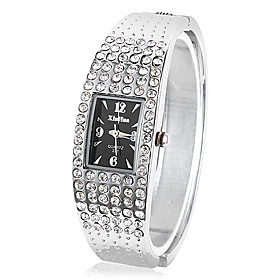 Kvinders Quartz Movement Med Rhinestone Analog Bracelet Watch (flere Farver)