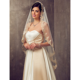 One-tier Fingertip Wedding Veil With Applique Edge