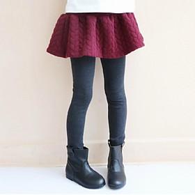 mode couleur pure maquette deux jupe et des jambières de pièce de fille