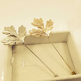 Long Maple Leaf Brooch (1Pc)
