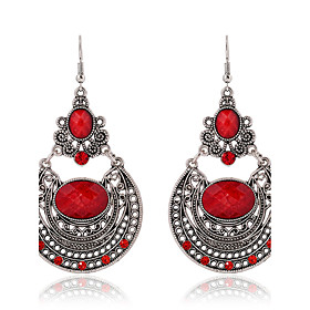 New Arrival Ethnic Style Long Dangle Earrings Vintage Red Rhinestone Hollow Carved Bohemian Earrings Women Jewelry