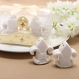 Recipient Gifts Fleur de Lis Salt and Pepper Shakers Kitchen Wedding Favors BETER Gifts Love Birds 5244005