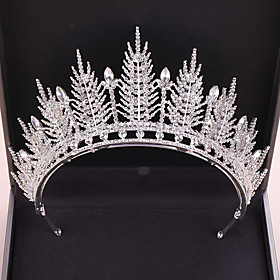 Women's Hair Jewelry For Wedding Wedding Crystal Alloy Silver Golden 1pc Gender:Women's; Gemstone:Crystal; Gemstone Color:Gold,Silver; Quantity:1pc; Theme:Wedding; Style:Bridal; Jewelry Type:Diadem,Hair Jewelry; Occasion:Wedding; Material:Alloy; Shipping Weight:0.25; Package Dimensions:45.045.045.0; Net Weight:0.26; Listing Date:04/07/2020
