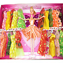 barbie-doll-wardrobe-with-twenty-two-dresses