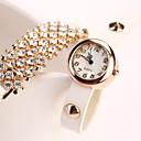 coinciden con siete muchacha de las mujeres todos los relojes del diamante ocasional