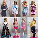 8 piezas de la muñeca de Barbie princesa dulce urbana del estilo del ocio de vestuario