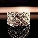 anillo brillante diamante lleno de lujo de las mujeres