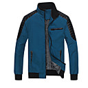 contraste de color de los hombres de la chaqueta del collar del soporte theraml