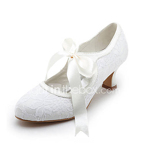 zapatos de mujer de satén tacón carrete medio superior cerrado tacón carrete toe bombas con cinta de lazo de la boda zapatos de novia Descuento en Lightinthebox