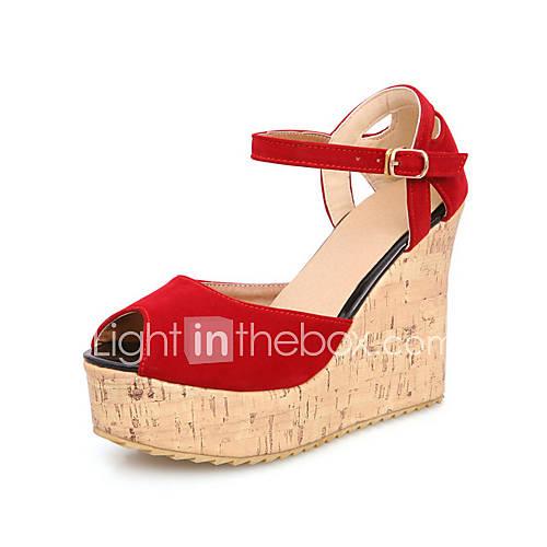 Elegantes sandalias de tac n de cu a del ante con hebilla for Zapateros elegantes
