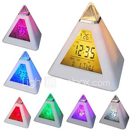 7 LED de colores cambiantes en forma de pirámide despertador digital calendario reloj termómetro (blanco, 3xAAA) Descuento en Lightinthebox