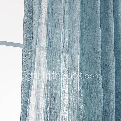 Dormitorio pa s s lidas azules de un panel de cortinas for Cortinas transparentes