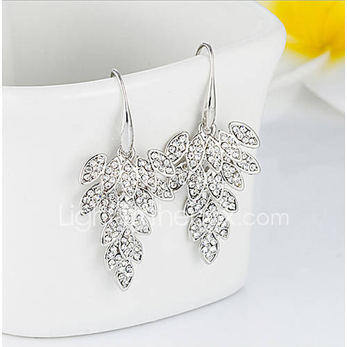 Daisy Women's Fashion Diamond Leaf Earrings