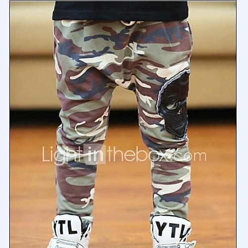 camouflage couleur du pantalon de garçon