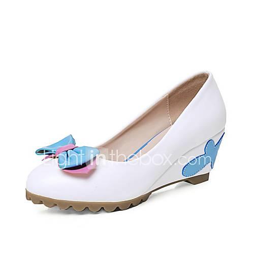 Туфли на танкетке с каблуком