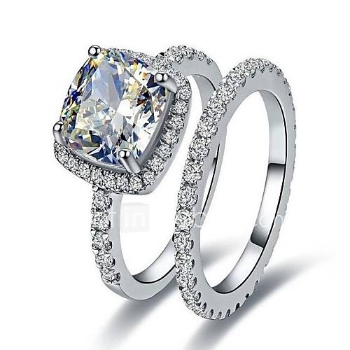 Wedding rings for women in the box
