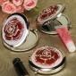 rød rose på Chrome speil kompakt bryllup favør